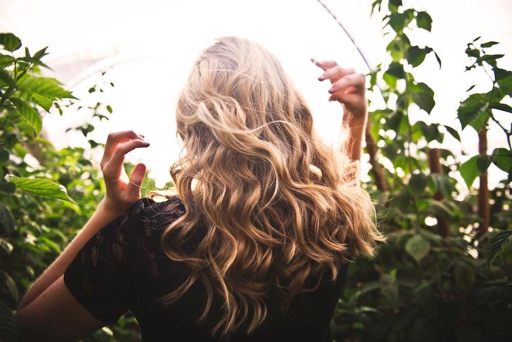 dicas de beleza escovar ou pentear o cabelo